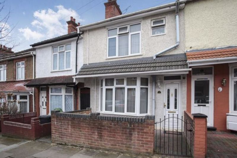 5 bedroom Mid Terrace to buy in Ferndale Road, Luton