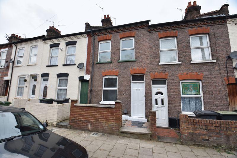 2 bedroom Mid Terrace to buy in Beech Road, Luton