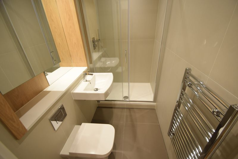 1 bedroom Flat to rent in Park Street West, Luton - Photo 2