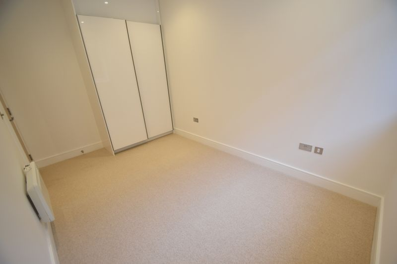 1 bedroom Flat to rent in Park Street West, Luton - Photo 4