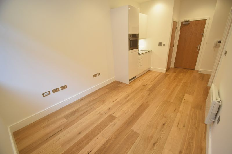 1 bedroom Flat to rent in Park Street West, Luton - Photo 6
