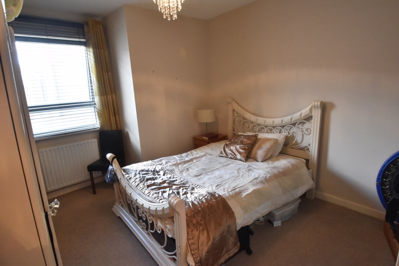1 bedroom Flat to buy in Midland Road, Luton - Photo 1