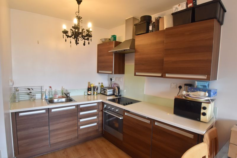 1 bedroom Flat to buy in Midland Road, Luton - Photo 3