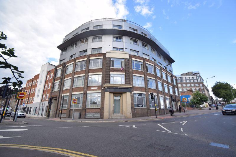 1 bedroom Flat to buy in Midland Road, Luton