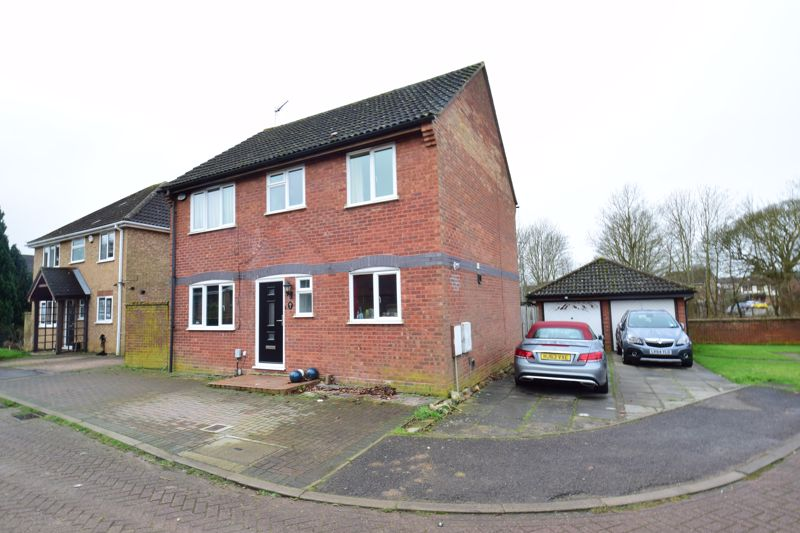 4 bedroom Detached  to buy in Harveys Hill, Luton
