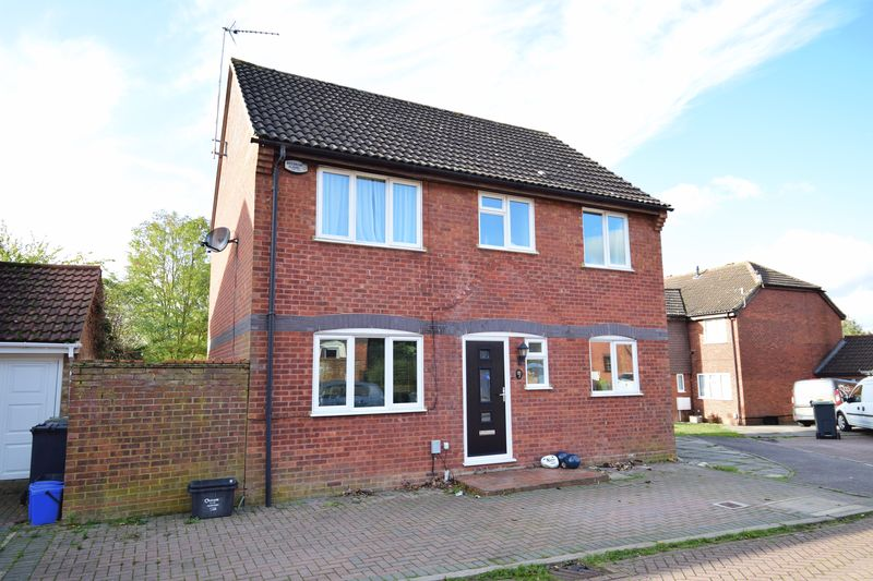 4 bedroom Detached  to buy in Harveys Hill, Luton - Photo 16