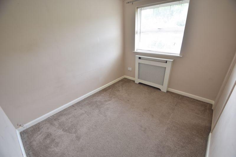 4 bedroom Detached  to rent in Sworder Close, Luton - Photo 2