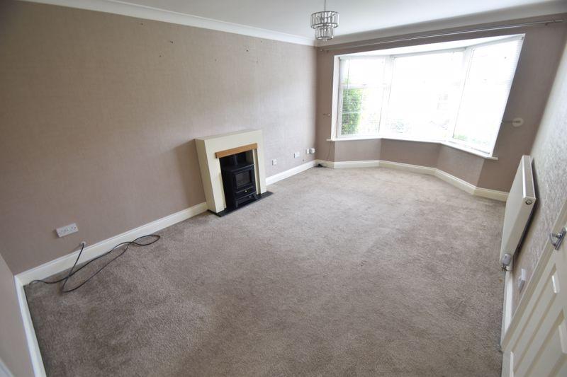4 bedroom Detached  to rent in Sworder Close, Luton - Photo 8