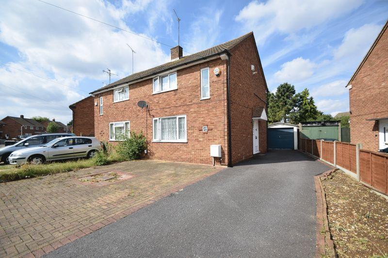 3 bedroom Semi-Detached  to buy in Rowelfield, Luton