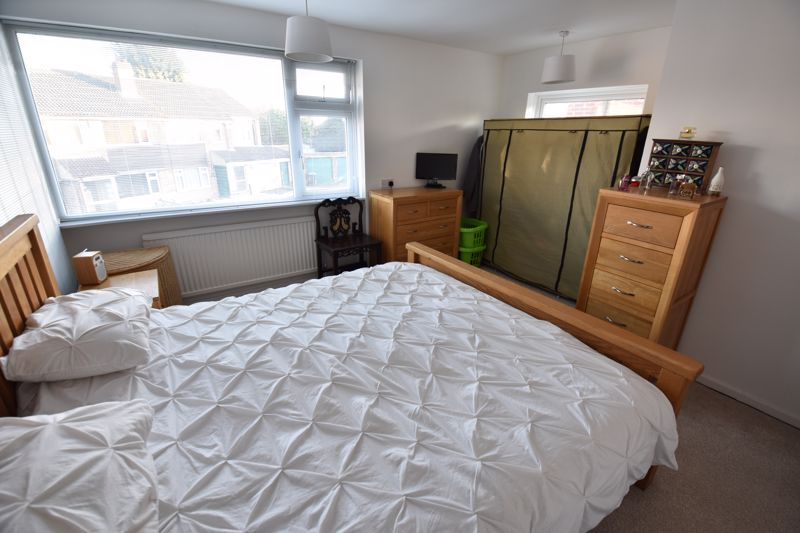 2 bedroom Semi-Detached  to buy in Rosewood Close, Luton - Photo 8