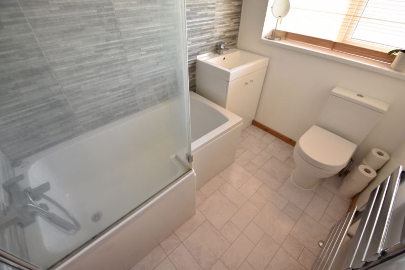 2 bedroom Semi-Detached  to buy in Rosewood Close, Luton - Photo 10