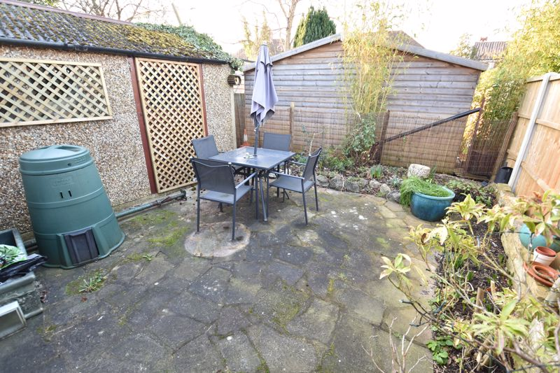 2 bedroom Semi-Detached  to buy in Rosewood Close, Luton - Photo 11