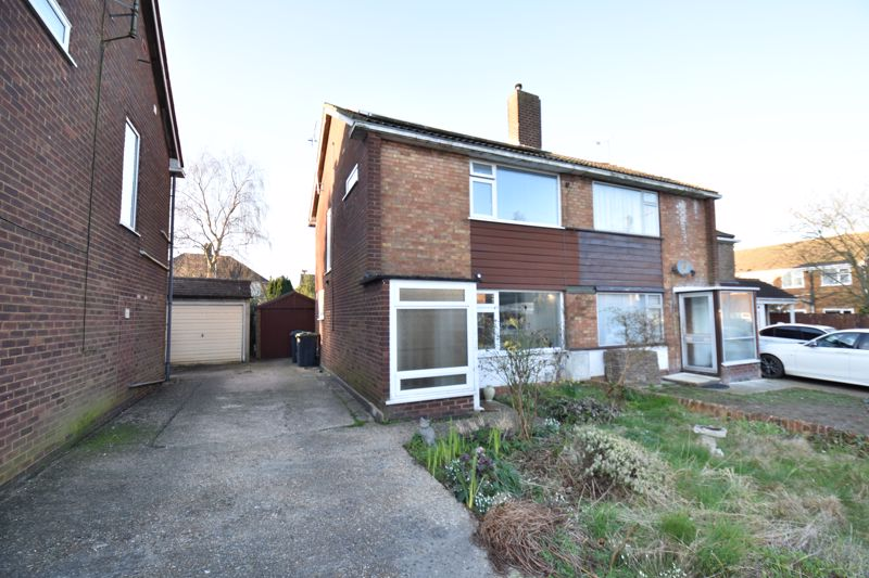 2 bedroom Semi-Detached  to buy in Rosewood Close, Luton