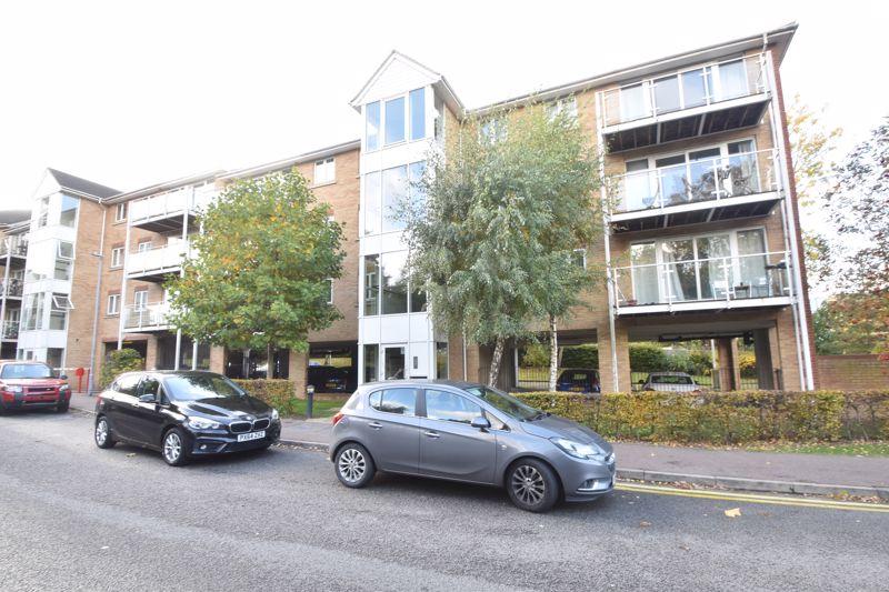 2 bedroom Apartment / Studio to buy in Foxglove Way, Luton