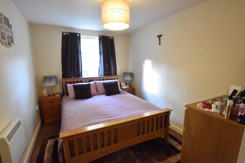 2 bedroom Apartment / Studio to buy in Foxglove Way, Luton - Photo 3