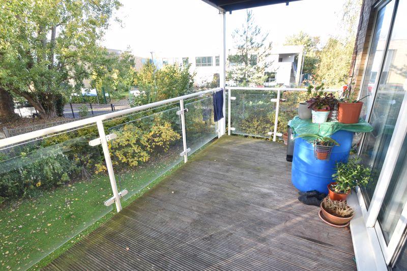 2 bedroom Apartment / Studio to buy in Foxglove Way, Luton - Photo 9
