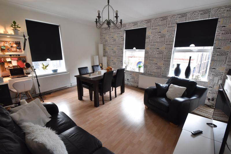2 bedroom Maisonette to buy in High Town Road, Luton - Photo 11