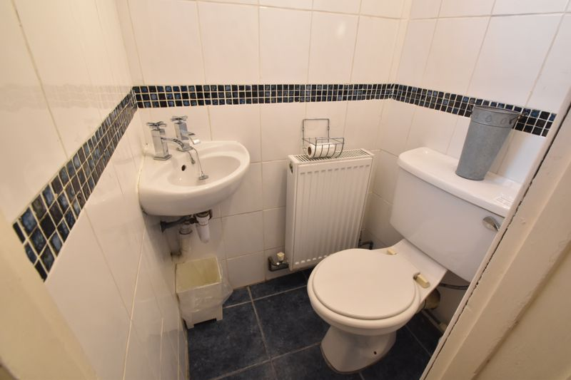 2 bedroom Maisonette to buy in High Town Road, Luton - Photo 12