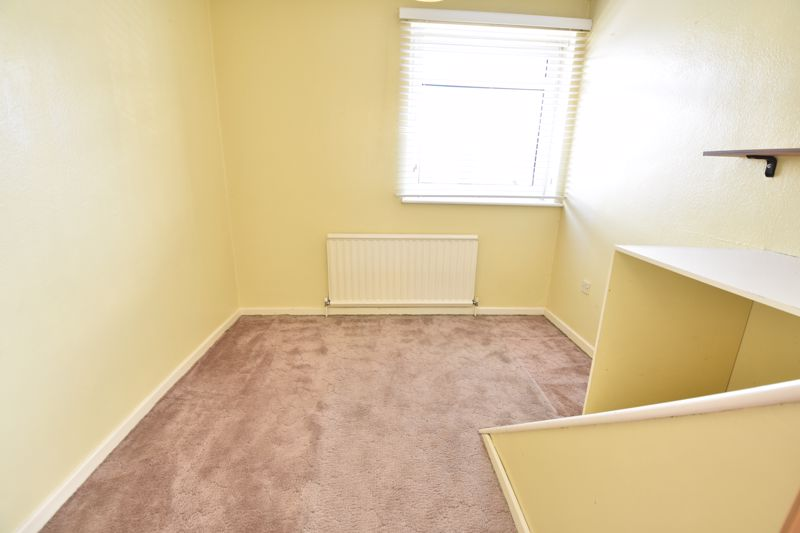 4 bedroom Semi-Detached  to buy in Kinross Crescent, Luton - Photo 9