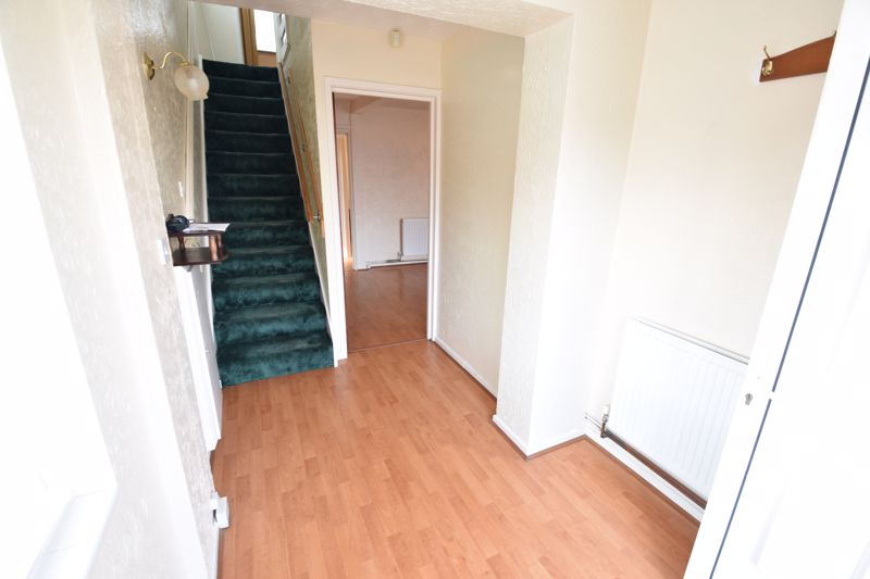 4 bedroom Semi-Detached  to buy in Kinross Crescent, Luton - Photo 10
