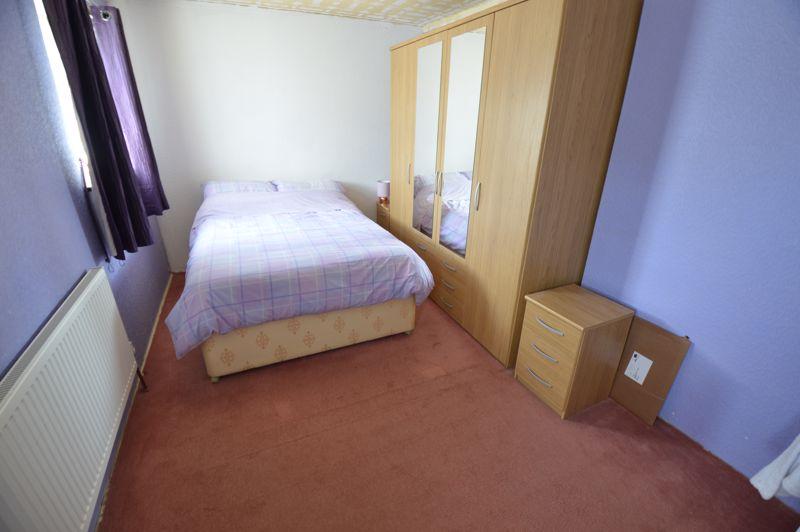 2 bedroom End Terrace to buy in Hallwicks Road, Luton - Photo 6