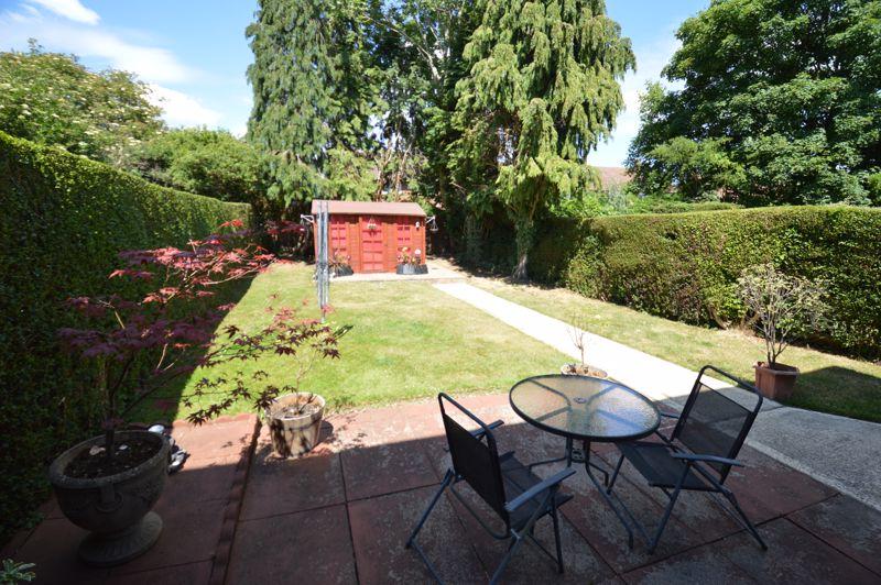 2 bedroom End Terrace to buy in Hallwicks Road, Luton - Photo 10