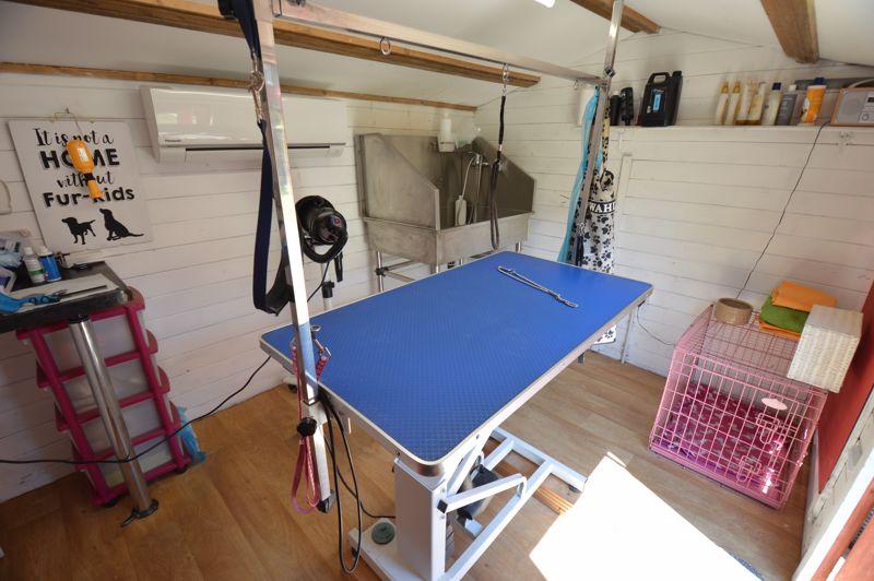 2 bedroom End Terrace to buy in Hallwicks Road, Luton - Photo 12