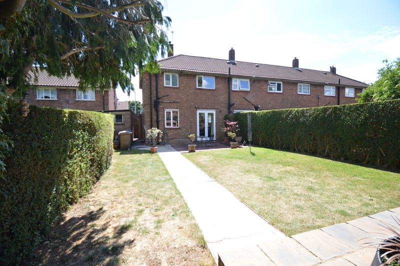 2 bedroom End Terrace to buy in Hallwicks Road, Luton - Photo 13
