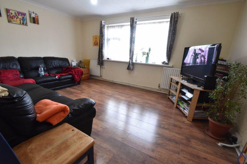 3 bedroom Maisonette to buy in Green Gates, Luton - Photo 1