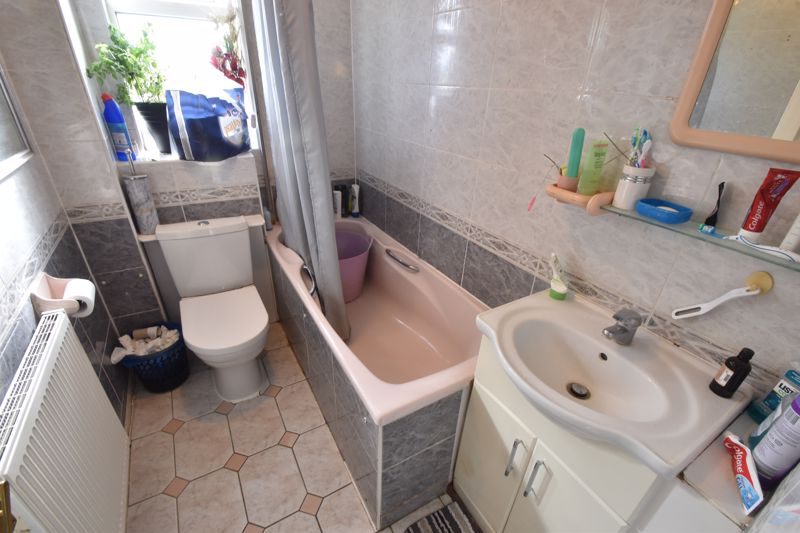 3 bedroom Maisonette to buy in Green Gates, Luton - Photo 4