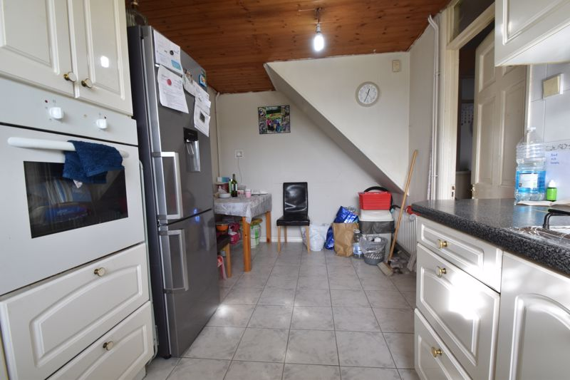 3 bedroom Maisonette to buy in Green Gates, Luton - Photo 6