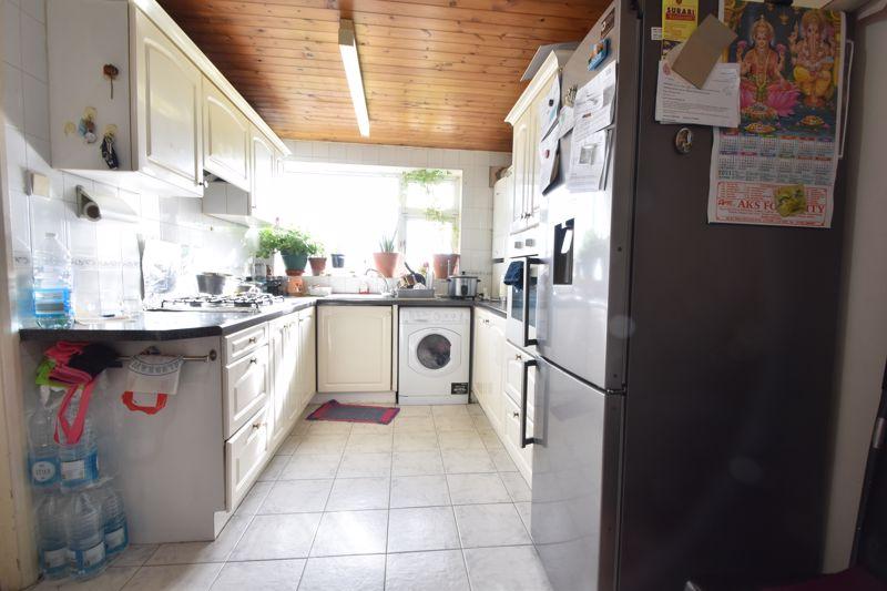 3 bedroom Maisonette to buy in Green Gates, Luton - Photo 7
