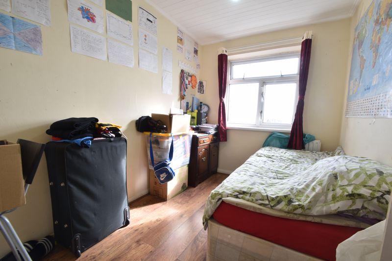 3 bedroom Maisonette to buy in Green Gates, Luton - Photo 11