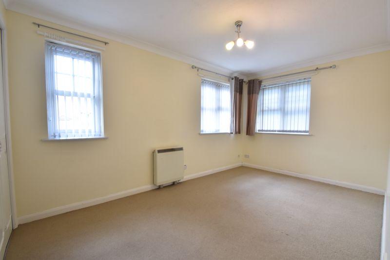 2 bedroom Flat to buy in Earls Meade, Luton - Photo 7