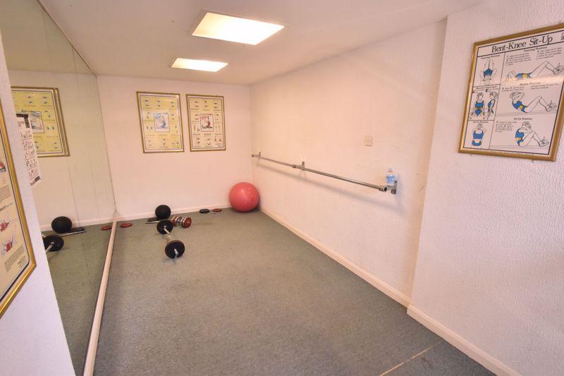 2 bedroom Flat to buy in Earls Meade, Luton - Photo 11
