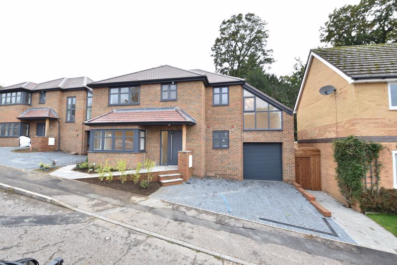 4 bedroom  to buy in Old Orchard, Luton