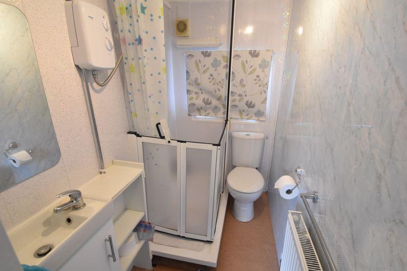 1 bedroom Park Home to buy in Caddington Park, Luton - Photo 3