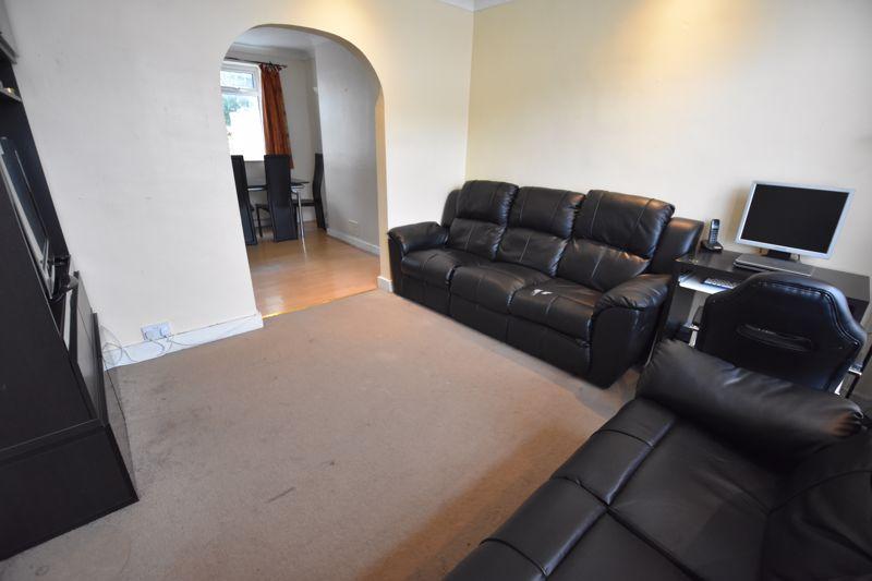 2 bedroom Mid Terrace to buy in Applecroft Road, Luton - Photo 1