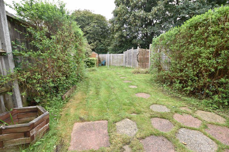 2 bedroom Mid Terrace to buy in Applecroft Road, Luton - Photo 6