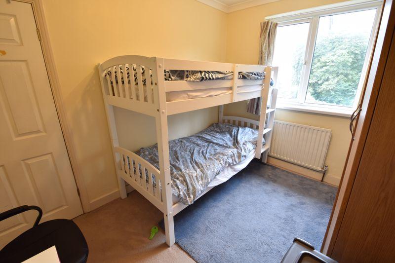2 bedroom Mid Terrace to buy in Applecroft Road, Luton - Photo 8