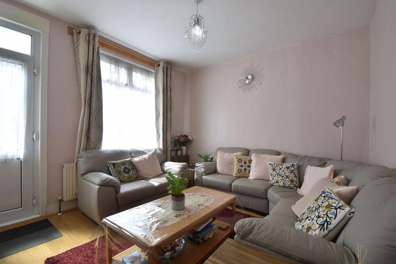 3 bedroom Mid Terrace to buy in Dane Road, Luton - Photo 1