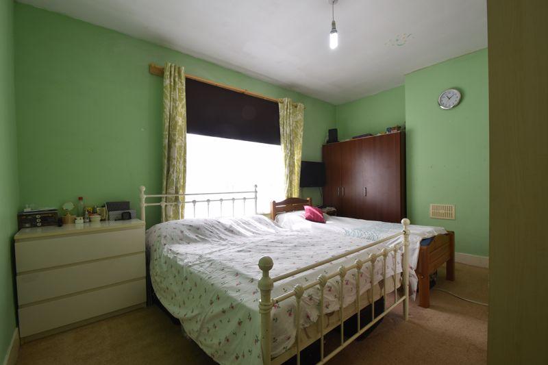 3 bedroom Mid Terrace to buy in Dane Road, Luton - Photo 14