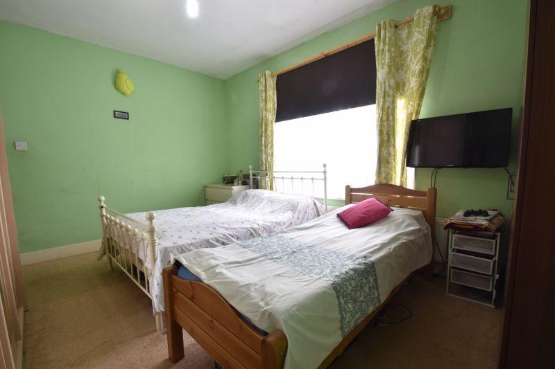 3 bedroom Mid Terrace to buy in Dane Road, Luton - Photo 15