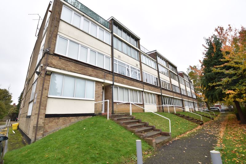 1 bedroom Flat to rent in Dunstable Road, Luton