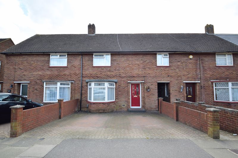 3 bedroom Mid Terrace to buy in Whipperley Way, Luton