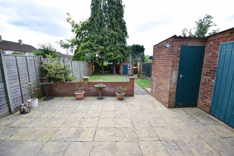 3 bedroom Mid Terrace to buy in Whipperley Way, Luton - Photo 14