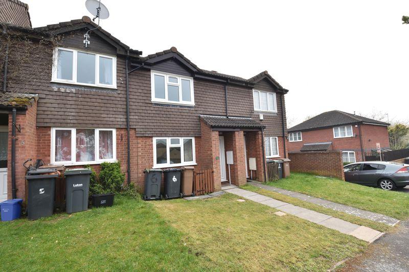 2 bedroom Mid Terrace to rent in Benington Close, Luton - Photo 14