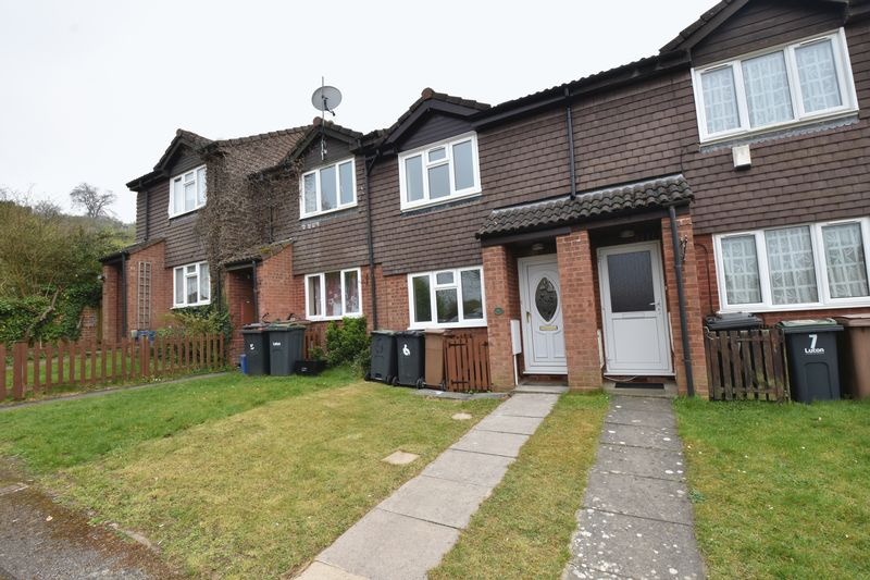 2 bedroom Mid Terrace to rent in Benington Close, Luton