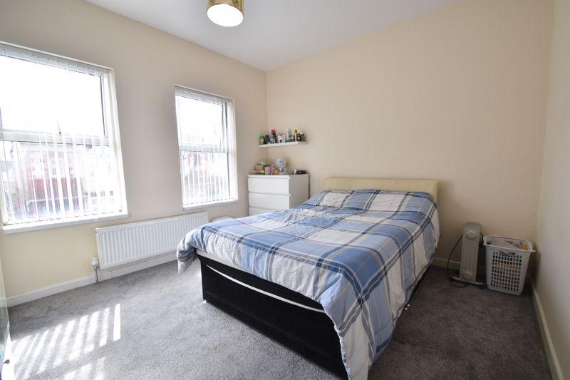 3 bedroom Mid Terrace to buy in Mansfield Road, Luton - Photo 10