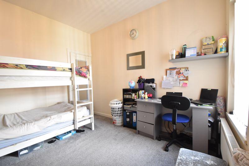3 bedroom Mid Terrace to buy in Mansfield Road, Luton - Photo 11